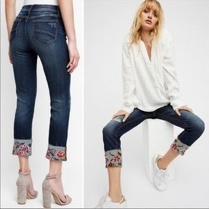 """Driftwood Crop Jeans """"Colette"""" Embroidered"""